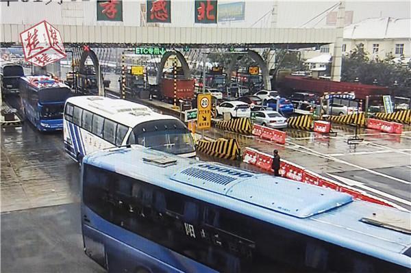 湖北高速发布最新路况 全省路网62站所间断放行