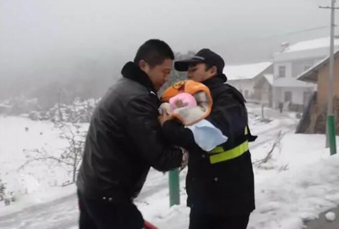 五峰女婴上央视 好多人的眼泪融化了这场大雪